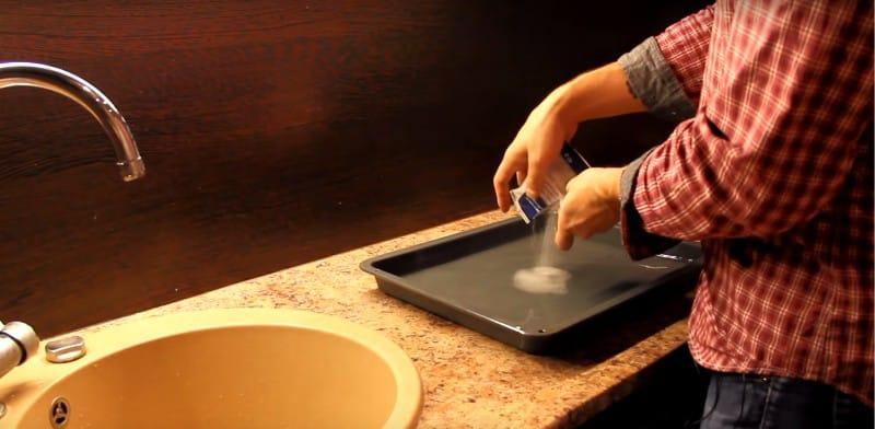 A sütő tisztítása citromsavval