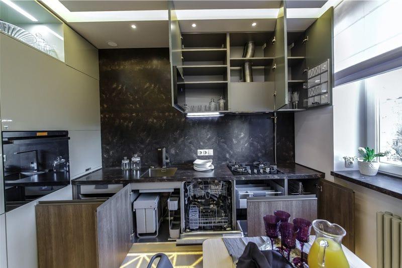 L-muotoinen keittiöala 11 neliömetriä. m