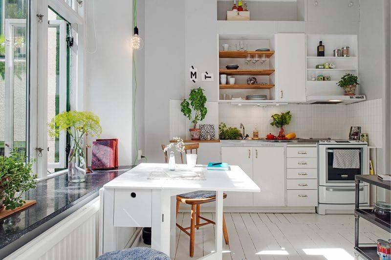 Det indre af køkkenet, et areal på 8,5 kvadratmeter. m