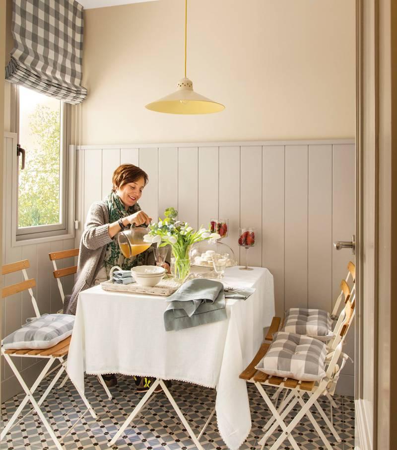Havemøbler i køkkenet interiør område på 8 kvadratmeter. m