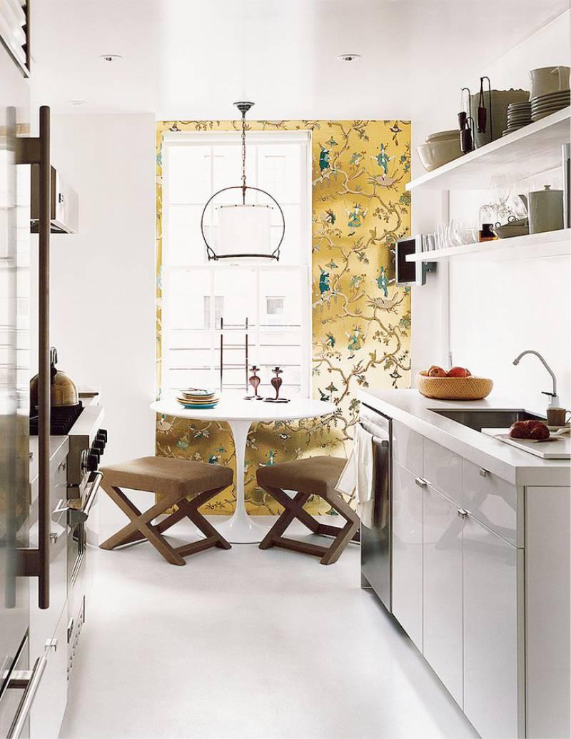 טפט הזהב בפנים המטבח
