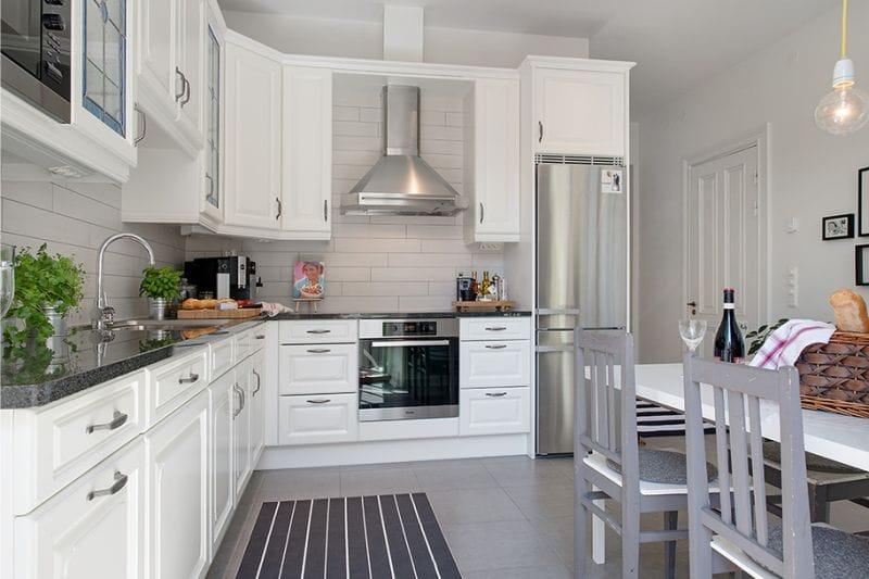 G בצורת המטבח שטח של 14 מטרים רבועים. מטרים בסגנון סקנדינבי