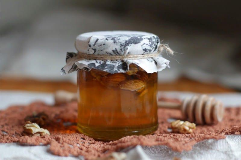 דבש צנצנת