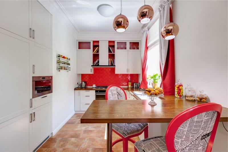 เก้าอี้บาร์สีแดงในสไตล์ศิลปะป๊อป