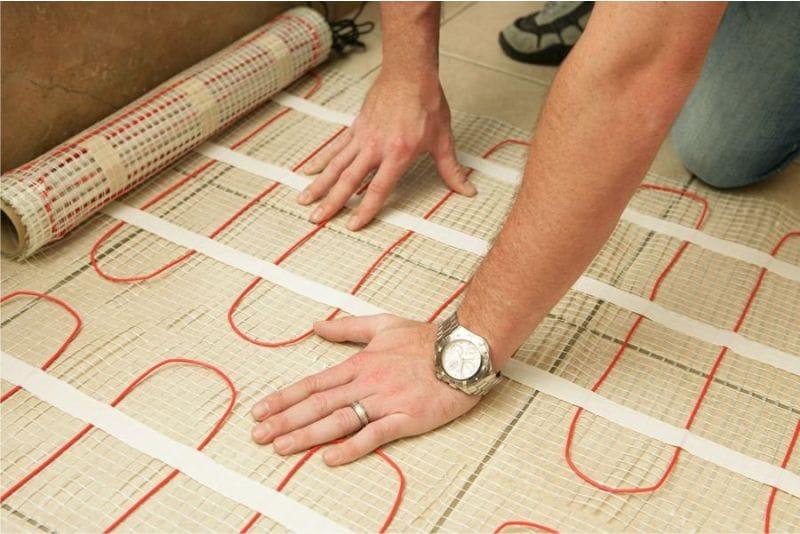 Fektetése kábel infravörös padlófűtés formájában szőnyegek