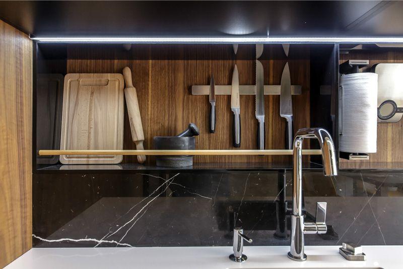 MDF-seinälevyt keittiön sisätiloissa