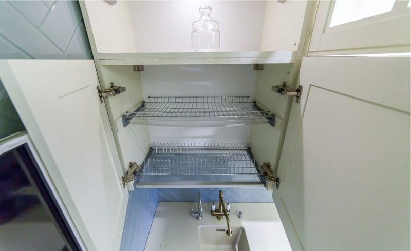 Sisäänrakennettu kuivausrumpu astioille