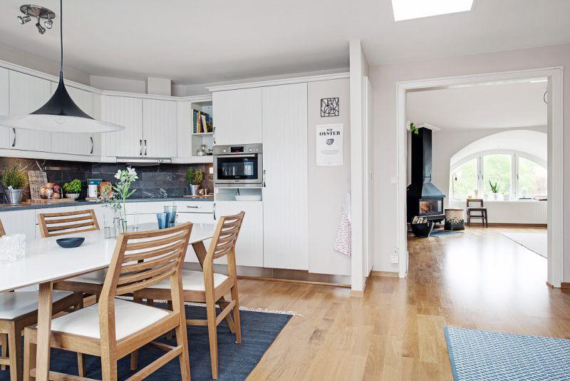 L-formet køkkenareal på 14,5 kvadratmeter. m
