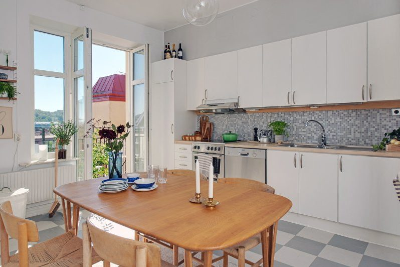 Lineær layout i køkkenets indre 15 kvadratmeter. m