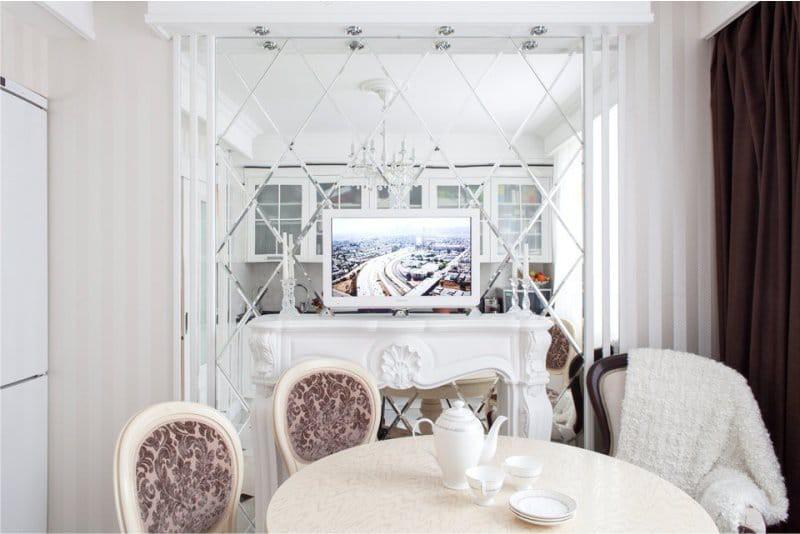דוגמה לעיצוב של אריחי פינת אוכל פינת עם פנס תאורה אחורית