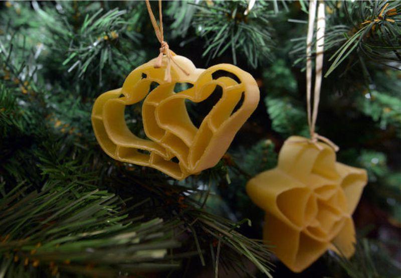Jouets de Noël de grandes pâtes frisées