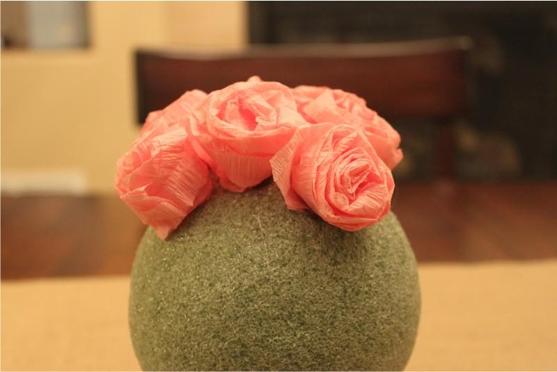 יצירת כתר של ורדים נייר