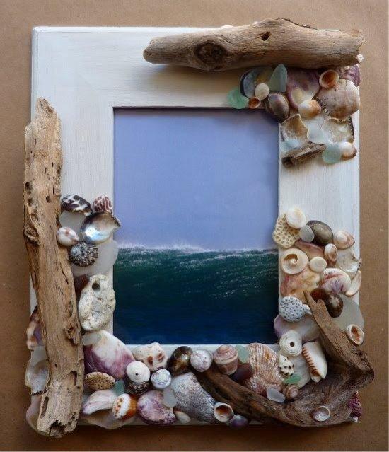 Tengeri kagylókkal díszített fényképkeret