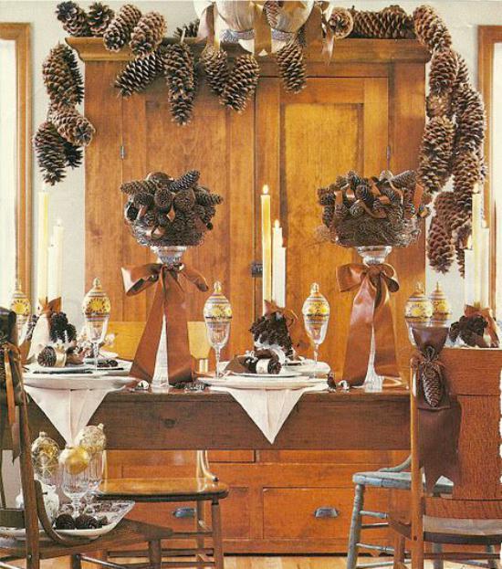 Összetétele egy pár topiary ünnepi asztal dekoráció