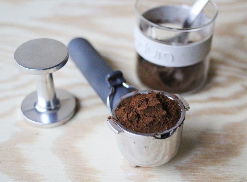 Boynuzlu çekilmiş kahve