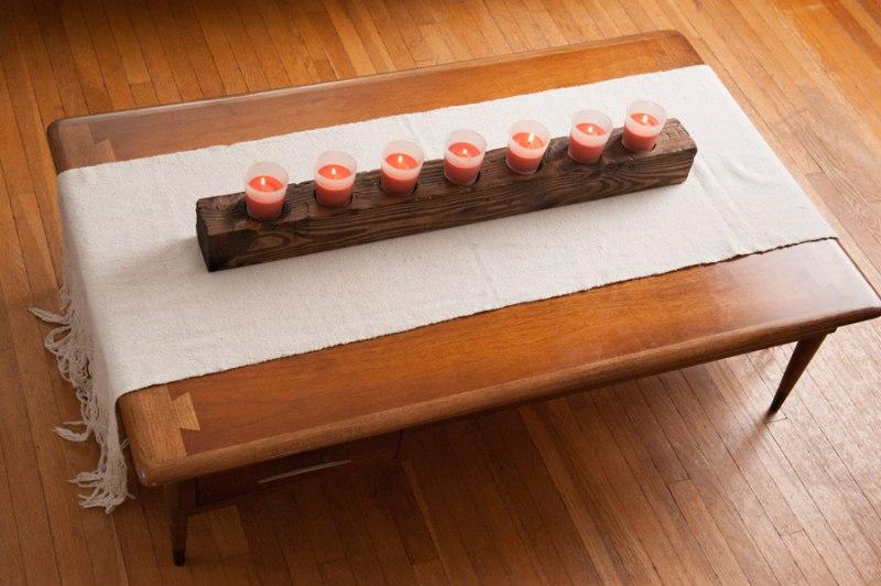 Fából készült gyertyatartó