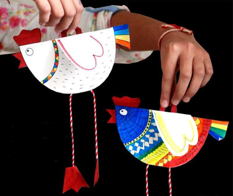 Gyermek kézműves kakasok formájában