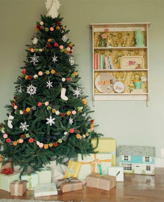 Pompon עץ חג המולד גרלנד