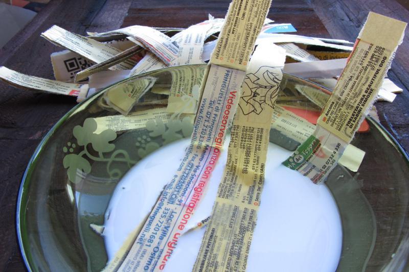 Nedvesítő papírcsíkok ragasztóval