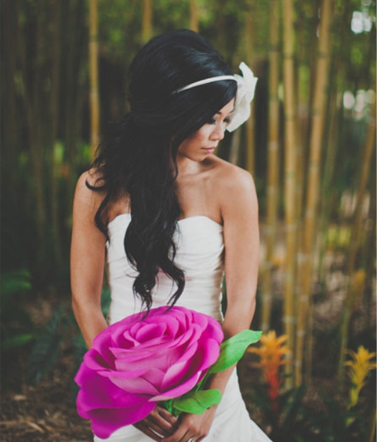 Suuri aaltopaperin ruusu