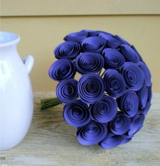 Kukkakimppu sinisiä ruusuja