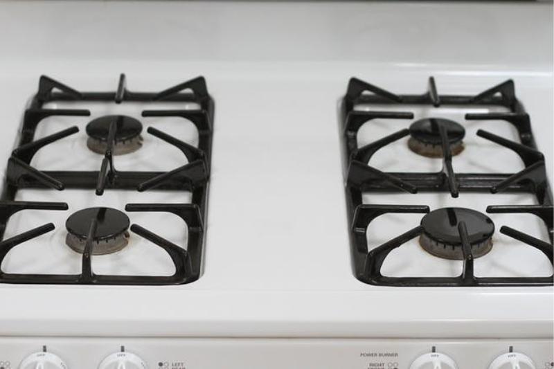 תנור גז לאחר הניקוי