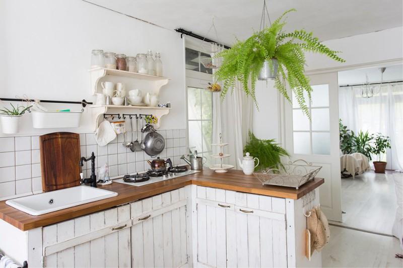 Cuisine avec des façades de planches