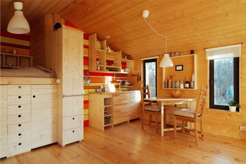 מטבח משולב עם מסדרון בבית כפרי מודרני