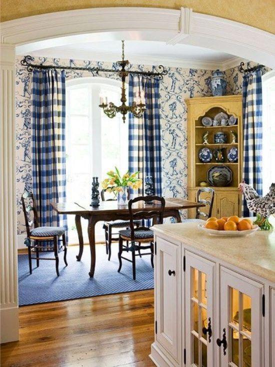 Papier peint de style provençal dans la cuisine