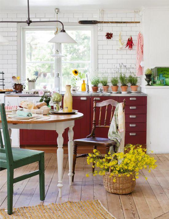 Naturlige nuancer i det indre af landet køkken