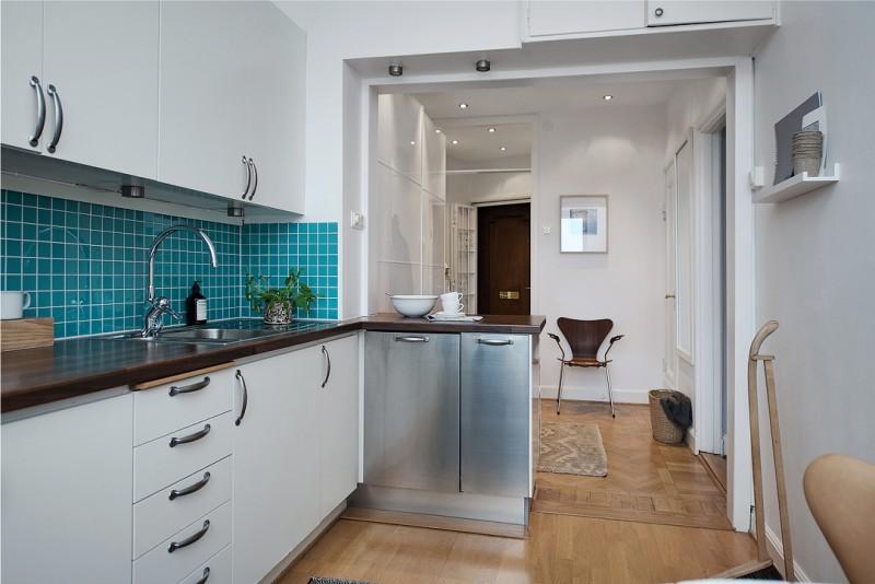 המטבח במטבח בשילוב עם המסדרון