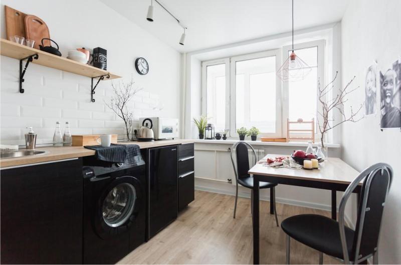 Fekete-fehér konyha 7,5 m2