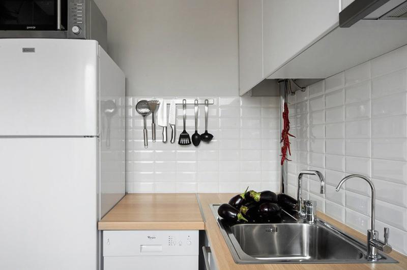 עמוד גז בארון המטבח