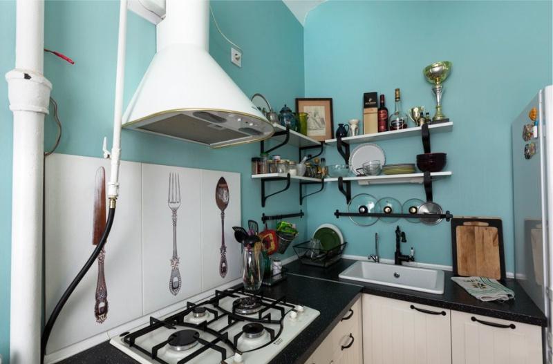 מטבח פנים עם גז תנור בסגנון כפרי