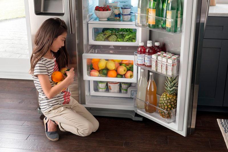 פירות במקרר