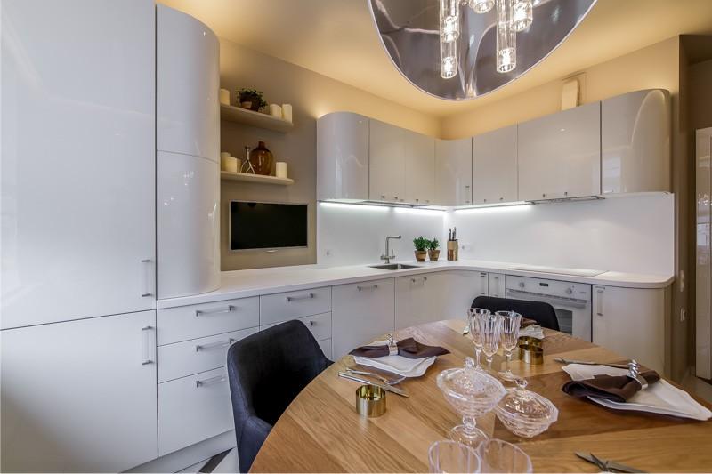 Hjørne køkken på 12,8 kvadratmeter. m