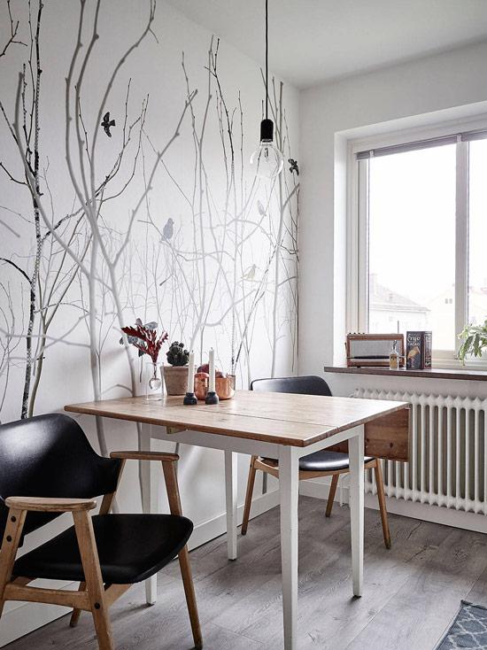 Seinämaalaus musta ja valkoinen