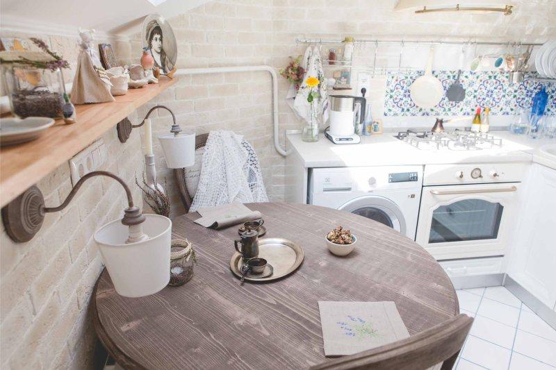 מטבח פנים עם מכונת כביסה