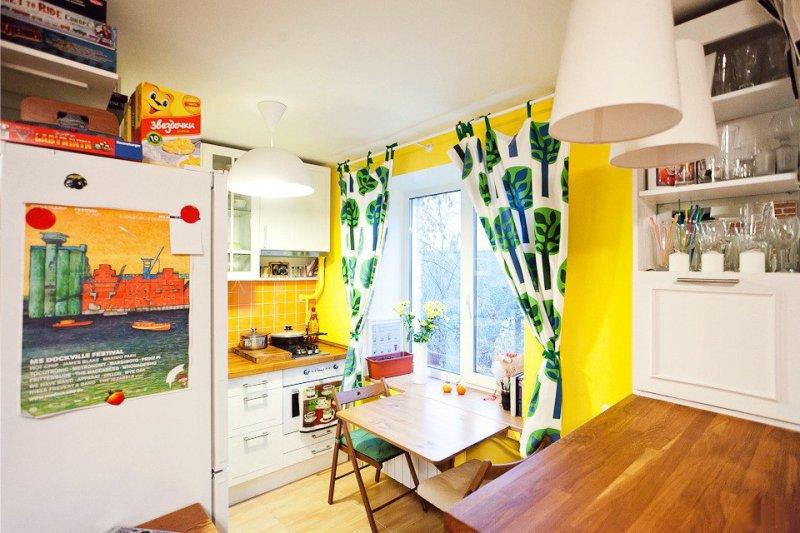 Køkken i Khrusjtsjov med L-formet layout