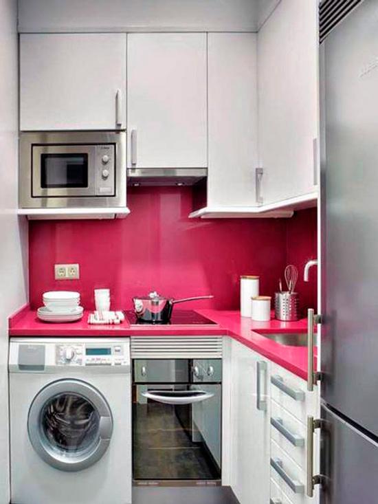 מטבח קטן עם מכונת כביסה