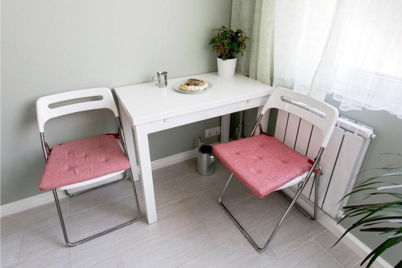 מיני שולחן וכיסאות מתקפלים