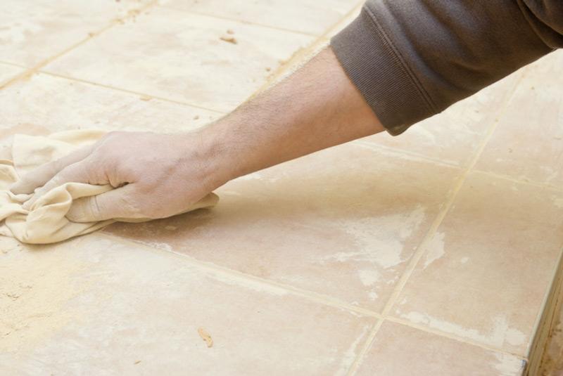 Távolítsa el a felesleges padlóburkolatot