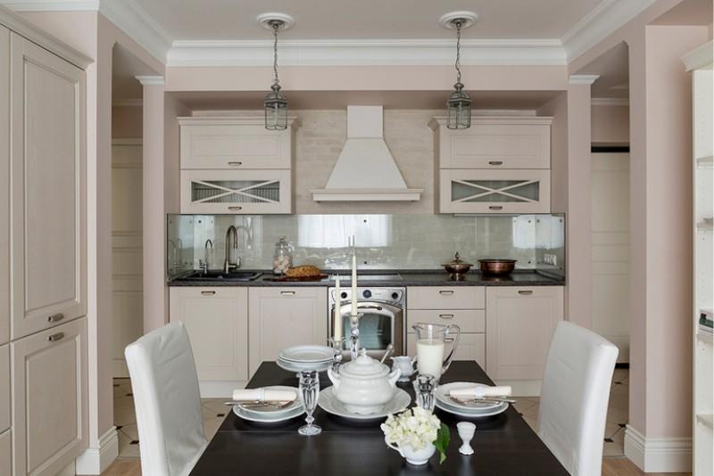 Intérieur de la cuisine, du salon et du couloir