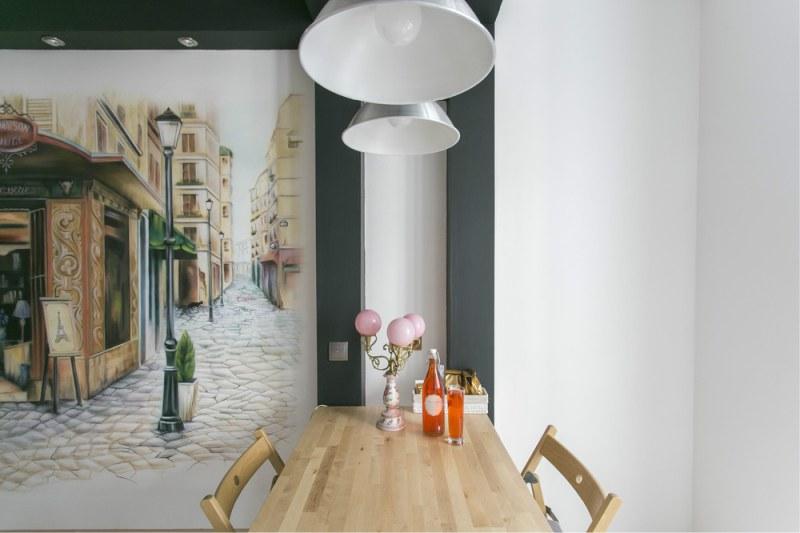 Airbrush-kuvio keittiön seinään