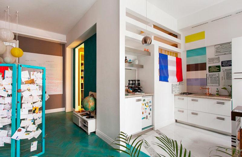 Seinään kiinnitetty keittiön sisustus