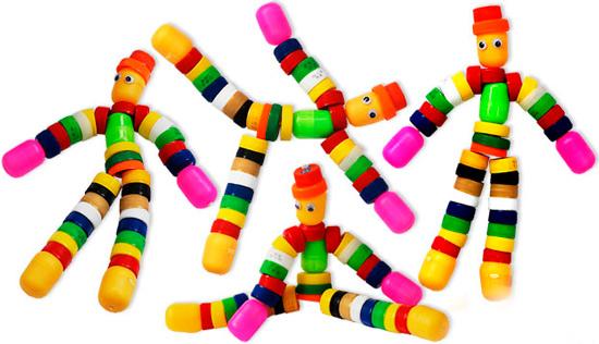 Børns håndværk fra plastdæksler og æg