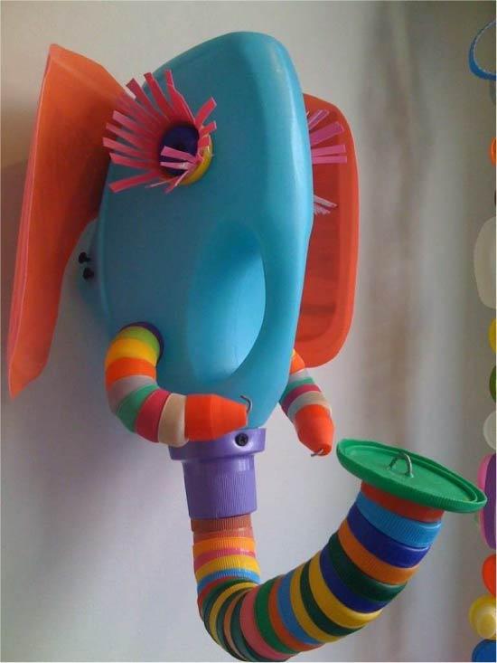 Børne håndværk fra plastik dækker