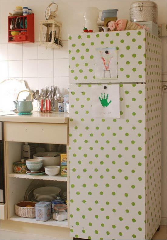 הרעיון של ציור פשוט של המקרר