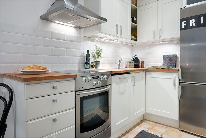 Köşe mutfağının iç kısmındaki çalışma üçgeni