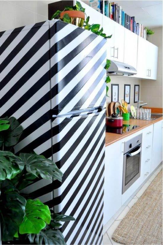 צייר את המקרר עם סרט ההסוואה